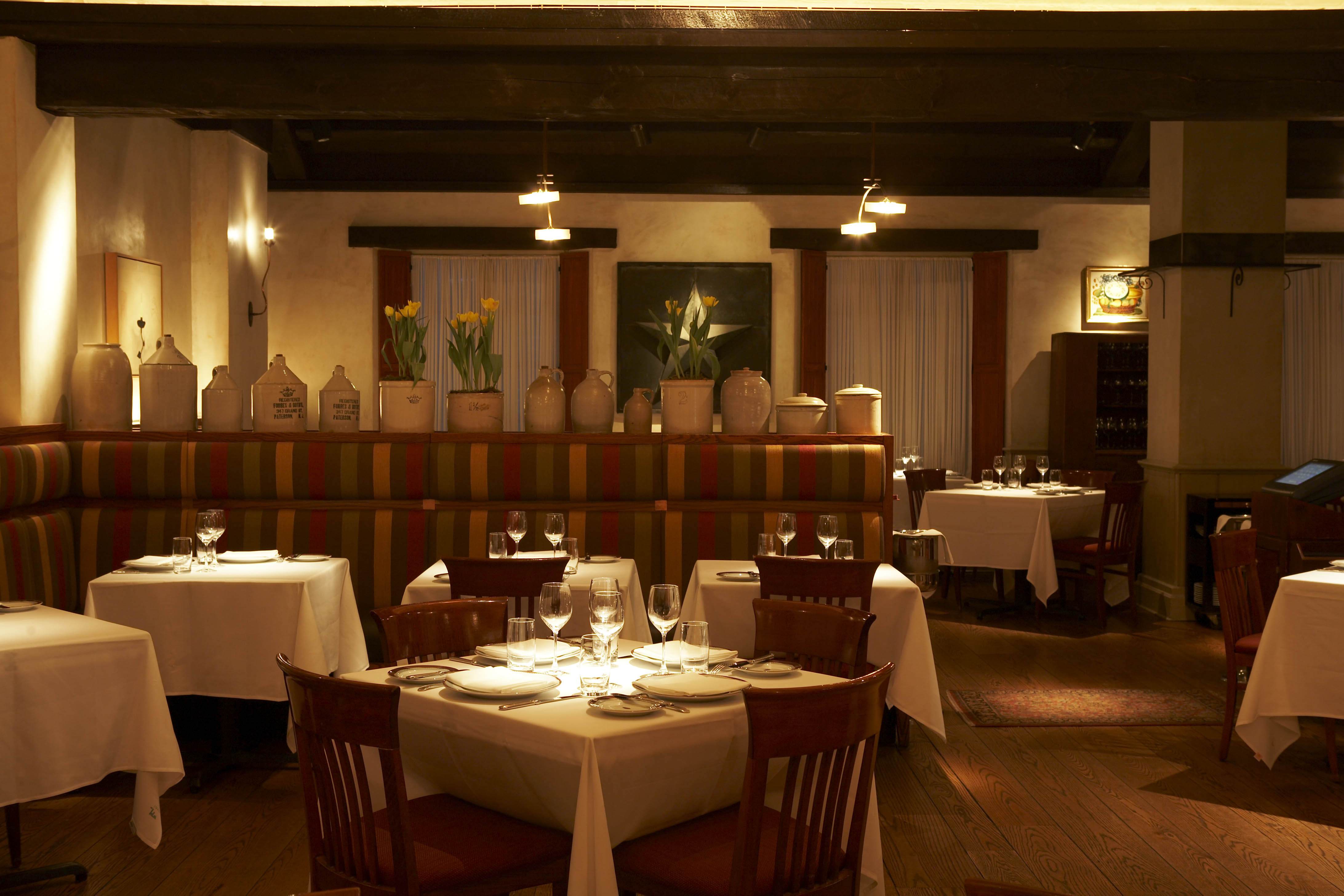 Restaurants For Dinner With A Nice Interior Design Nyc