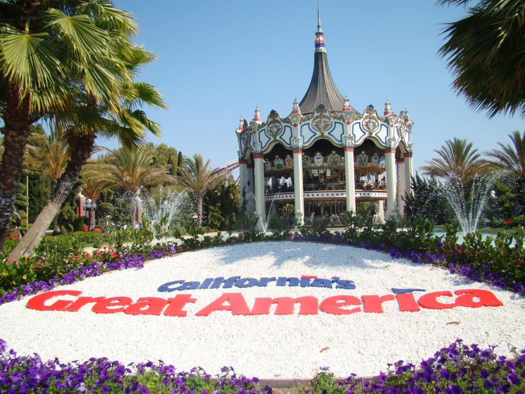 CA_Great_America_rocks_fountain_carousel_2008